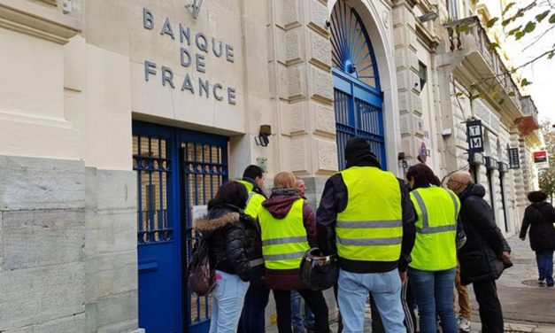 Gilets jaunes : des frais bancaires limités en 2019